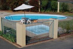 Wangaratta Motor Inn heated swimming pool